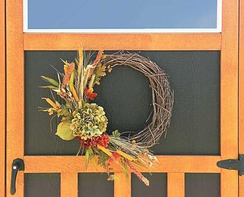 Wreath-On-Door-feature