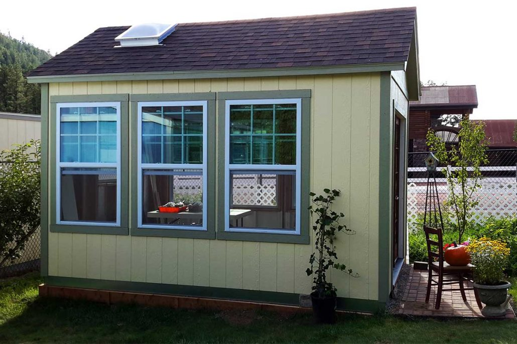 strawberry-shed-side